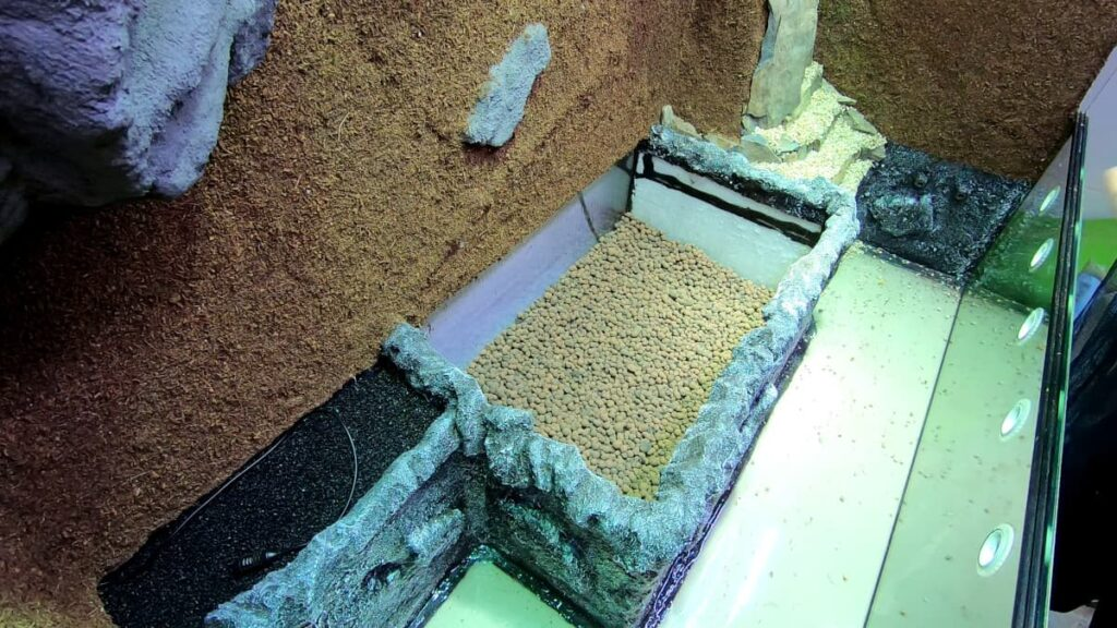 Aufbau Terrarium-Bodenteil: Dränageschicht